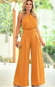 49 pantalones every girl should have – Artofit Fashion Pants, Hijab Fashion, Fashion Dresses, Jumpsuit Outfit, Pants For Women, Clothes For Women, Indian Designer Outfits, Elegant Outfit, Jumpsuits For Women