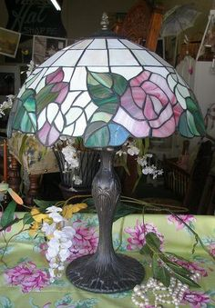Tiffany Style Stained Glass Victorian Design Vintage Table Lamp