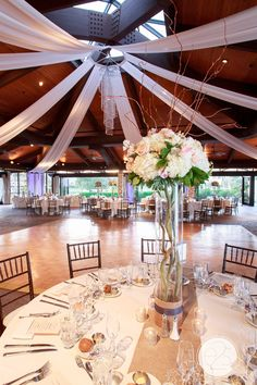 Stunning Wedding With White Tableclothes Burlap Runners And Flowers Venue Mccormick Ranch Golf Club Scottsdale Arizona Photographer Eyes To