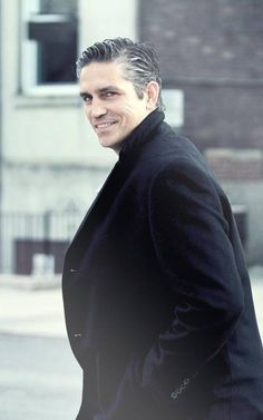 Love the fact that he is embracing his grey hair coming through. Makes a man look distinguished ;)