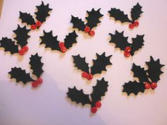 FELT-green-holly-and-button-berries-21-leaves-20-buttons-die-cut-christmas-holly
