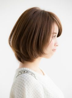 大人可愛いひし形ボブ×オーキッドカラー(髪型ボブ) Hairstyles For Medium Length Hair Easy, Medium Short Hair, Short Hair With Layers, Short Bob Hairstyles, Down Hairstyles, Short Hair Cuts, Easy Hairstyles, Shot Hair Styles, Long Hair Styles
