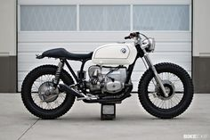 BMW by Boyle Custom Moto BMW by Kim Boyle Kim Boyle has lived a life on two wheels. He started out in BMX, working for GT Bi. Bmw R100 Scrambler, Motos Bmw, Bmw Motorcycles, Vintage Motorcycles, Custom Motorcycles, Custom Bikes, Bobber Bikes, Bmw Cafe Racer, Inazuma Cafe Racer
