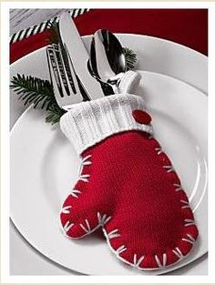 This mitten makes an adorable alternative for a napkin ring on the Christmas or winter season table.