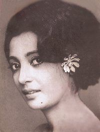 Suchitra Sen Indian Bollywood Actress, Bollywood Actors, Indian Actresses, Actors & Actresses, Top Celebrities, Celebs, Suchitra Sen, Film Icon, Vintage Bollywood