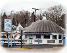 These 13 Classic Fish Fry Joints Are So Perfectly Wisconsin Wisconsin Attractions, Wisconsin Vacation, Vacation Places, Vacation Trips, Day Trips, Fried Fish, Fish Fry, Wisconsin Waterfalls, Milwaukee Restaurants