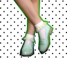 SUPER EASY DIY Ruffle Socks from my favorite lady, Marlena ♡