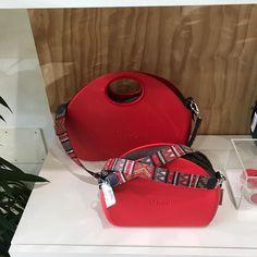 5 отметок «Нравится», 1 комментариев — Gioielleria Puccinelli (@gioielleria_puccinelli) в Instagram: «#rossovalentino #obagstore #obagcecina #gioielleriapuccinelli #bags #bag #novità»