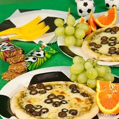 Soccer-ball-pizza.jpg 600×600 pixels