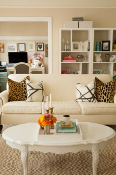 Living Room Decor. I just love this. It's easy on the eyes, nothing sharp or too bold looking. Nice and welcoming! Plus I LOVE the leopard pillows.