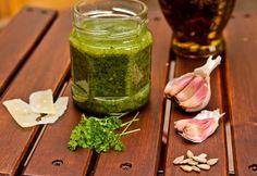 Parsley pesto Parsley Pesto, Mason Jars, Healthy, Ethnic Recipes, Food, Essen, Mason Jar, Meals, Health