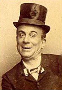 Eduardo Scarpetta - Eduardo Scarpetta(Napoli,12 marzo1853–Napoli,29 novembre1925) è stato unattoreecommediografoitaliano.  Fu il più importanteattoree autore del teatro napoletano tra la fine dell'Ottocentoe i primi delNovecento, capostipite della dinastia teatrale degliScarpetta-De Filippo. Creò ilteatro dialettalemoderno, che ancora oggi si usa e si specializzò nell'adattare lalingua napoletanain moltissimepochadefrancesi; la sua commedia più celebre,Miseria e nobiltà…