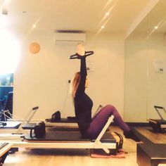 Roll backs with knees over the foot bar are more challenging than you may think! #powerpilatesuk #pilates #reformerPilates #beckenham #bromley #health #fitness #fit #fitnessmodel #fitnessaddict #fitspo #workout #cardio #gym #train #training #photooftheday #health #healthy #healthychoices #active #strong #motivation #determination #lifestyle #diet #getfit #cleaneating #eatclean #exercise