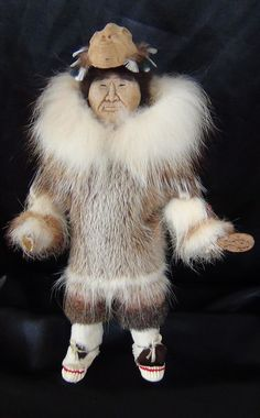 Native American Alaska Alaskan Yupik Inuit Indian Carved Eskimo Doll Fur Parka #DollswithClothingAccessories