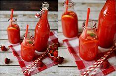 Lemoniada truskawkowa Hot Sauce Bottles, Lemon, Drinks, Food, Drinking, Beverages, Eten, Drink, Meals