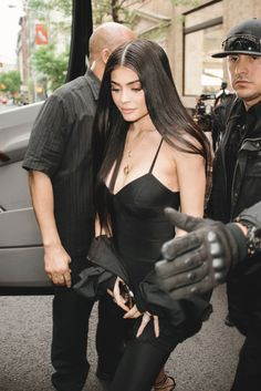 Fashion by Kendall and Kylie Jenner Kris Jenner, Estilo Kylie Jenner, Bruce Jenner, Kylie Jenner Fotos, Looks Kylie Jenner, Kylie Jenner Outfits, Kylie Jenner Style, Kendall And Kylie Jenner, Kourtney Kardashian