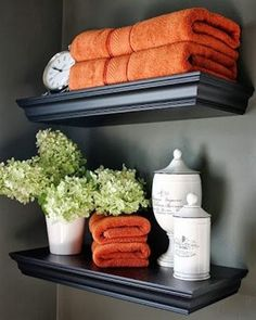 Cute way to dress up a small bathroom.