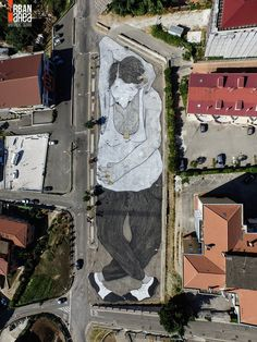 """""""Angeli della Strada"""" square, known to the inhabitants of Quadrivio di Campagna, in the province of Salerno in Italy, as """"Market Square"""", these days has undergone some radical changes that have transformed from simple expanse of asphalt and concrete, in a real work of art..."""