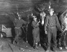 Child_coal_miners_(1908)_crop.jpg (1225×951)