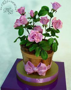 Cakes dekor com Flower Basket Cake, Flower Pot Cake, Bithday Cake, Birthday Cake Girls, Unique Cakes, Elegant Cakes, Gorgeous Cakes, Pretty Cakes, Amazing Cakes