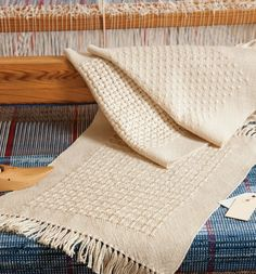 With a different huck treadling for each of these four elegant placemats, you'll be a huck master in no time! Get the pattern here and start learning the ins and outs of weaving huck. Navajo Weaving, Loom Weaving, Hand Weaving, Willow Weaving, Basket Weaving, Swedish Weaving Patterns, Lace Weave, Weaving Projects, Lace Patterns