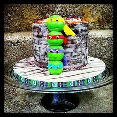 TMNT - Cake by Danijela Lilchickcupcakes