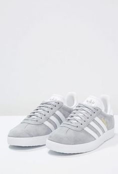 51 best Ideas for sneakers adidas gazelle baskets Sneakers Outfit Work, Sneaker Outfits, Sneakers Mode, New Sneakers, Sneakers Fashion, Fashion Shoes, Sneakers Workout, Adidas Fashion, Black Sneakers