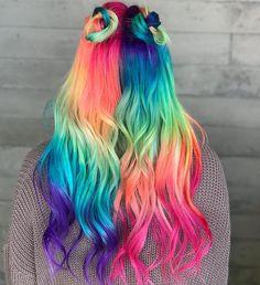 Rainbow hair Divided into halves