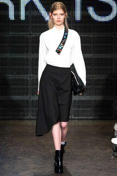 DKNY - Autumn/Winter 2015-16 Ready-To-Wear - NYFW (Vogue.co.uk)