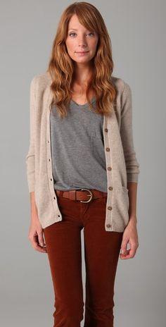 Когда в сентябре холодает, но еще не топят, вельветовые брюки незаменимы: terracotta corduroy pants.