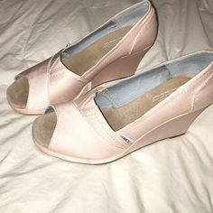 Toms Grosgain Wedges Only have been worn a handful of times, in excellent condition, the color is light pink TOMS Shoes Wedges