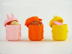 Faberdasher's Egg Pods are perfect for delivering tasty treats and make cute containers even after all the goodies have gone. Grab some brightly colored filament and print away!