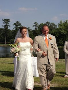 Mr & Mrs--this is our color scheme!! Down to the tie and boutinerre color!