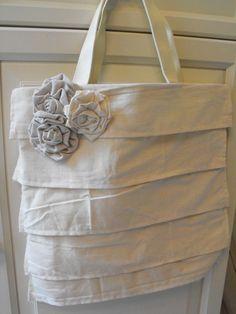 "Susie Harris: DIY ""Almost No Sew"" Ruffle Purse ... http://www.susieharrisblog.com/2010/05/diy-almost-no-sew-ruffle-purse.html#"