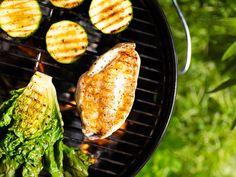 Vil du ha et saftig kyllingbryst på grillen? Her gir norgesmester Jan Ivar Nykvist deg sine beste tips. Grill Pan, Grilling, Mango, Curry, Kitchen, Griddle Pan, Manga, Curries, Cooking