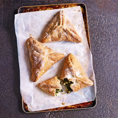 Based on a Lebanese speciality called fatayer, these parcels use soft bread dough to enclose the filling. Taken from Paul Hollywood's Pies & Puds Greek Diet, Spinach And Feta, Greek Recipes, Turkish Recipes, Veggie Dishes, Veggie Food, Food Items, Vegetarian Recipes, Vegetarian Cooking