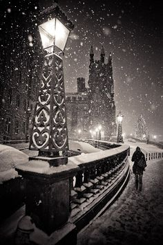 Snowy Night, Edinburgh, Scotland; photo via solitaryman