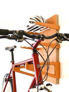 Universelle Fahrrad Garderobe für viel drumherum. #fahrrad #wandhalterung #fahrradregal #bikeshelf