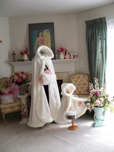 Bridal Winter Wedding Cloak Cape Hooded with Fur Trim Long Flower Girl Cloak Wedding Coat, Wedding Attire, Wedding Dresses, Girls Cape, Faux Fur Hooded Jacket, Hooded Cloak, Fur Jacket, Long Flowers, Fur Cape