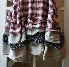Recycelte französische Tiers Petticoat Maryse Kleid Böhmische Kleidung / Dress Lagenlook Pullover Ein wunderschönes Kleid, das eine
