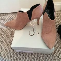 Jessica Simpson Shoes - Jessica Simpson Taupe/Black Heels 7.5 NIB