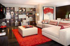 09/06 El tapete rojo que utilizamos en este proyecto activa todos los colores del espacio. #primerlugar #iconosdeldiseño #diseño #design #diseñodeinteriores #interiordesign #diariodeunadiseñadora #color #rojo #red