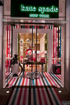 kate spade store during the holidays