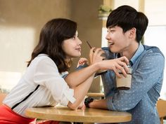 Berkat 'I Hear Your Voice' Lee Bo Young Makin Sayang Dengan Lee Jong Suk?