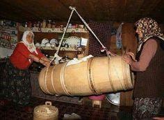 Yayık yaymak.. Turkey Culture, The Kurds, Turkish People, Food Technology, Turkey Travel, Turkish Recipes, Istanbul Turkey, People Around The World, Food Preparation