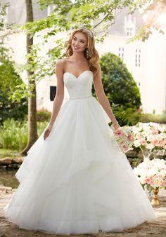 Tendance Robe du mariage 2017/2018 Dramatic Lace Fit-and-Flare Wedding Dress   Stella York 6315   trib.al/6MaKAxh