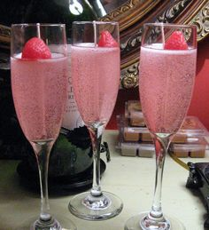 Strawberry Champagne Flute Gel Candle by livingtreecandles. Explore more products on http://livingtreecandles.etsy.com