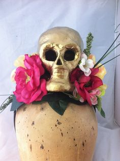 Floral Day Of The Dead Skull Headpiece. Halloween headdress, Dia Los Muertos, Skull Fascinator, Floral Crown, Frida Hat, Skull Flower Hat by ChefBizzaro on Etsy