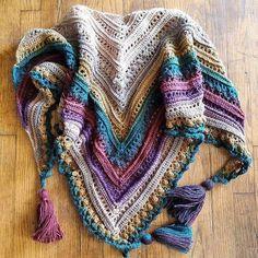 Wonderful Absolutely Free Crochet shawl secret paths Strategies Ravelry: Project Gallery for Secret Paths pattern by Johanna Lindahl Poncho Au Crochet, Mode Crochet, Crochet Shawls And Wraps, Crochet Scarves, Crochet Clothes, Crochet Crafts, Crochet Projects, Lion Brand Mandala Yarn, Knitting Patterns