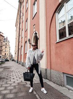 Name: Kenza Zouiten Blog: Kenzas Based in: Stockholm http://kenzas.se/